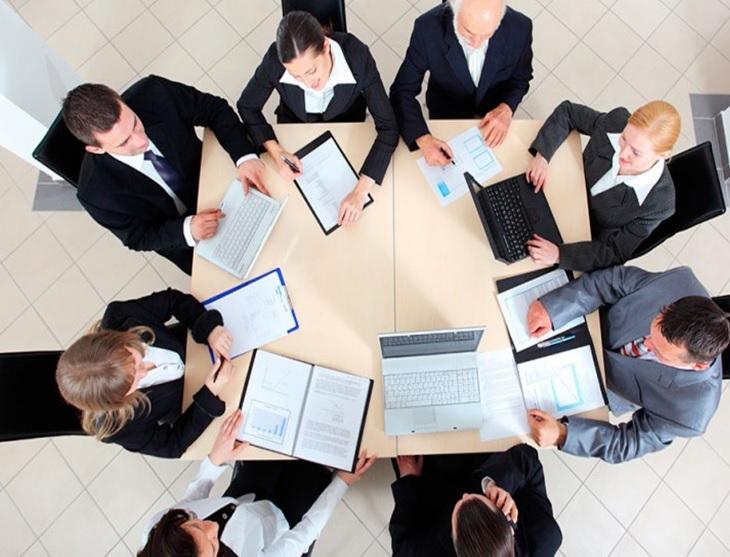 ¿Trabajas o te reúnes? Entrenamiento de reuniones de alto rendimiento con metodología Belbin